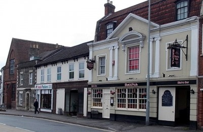Public House in Wilton with planning potential